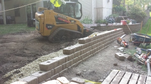 Installation of Segmental Retaining Wall. Keystone Country Manor - Bedrock Blend. SW Rochester 2013